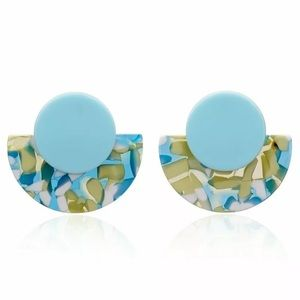 NWT GREAT GIFT ACRYLIC GEOMETRIC STATEMENT EARRING
